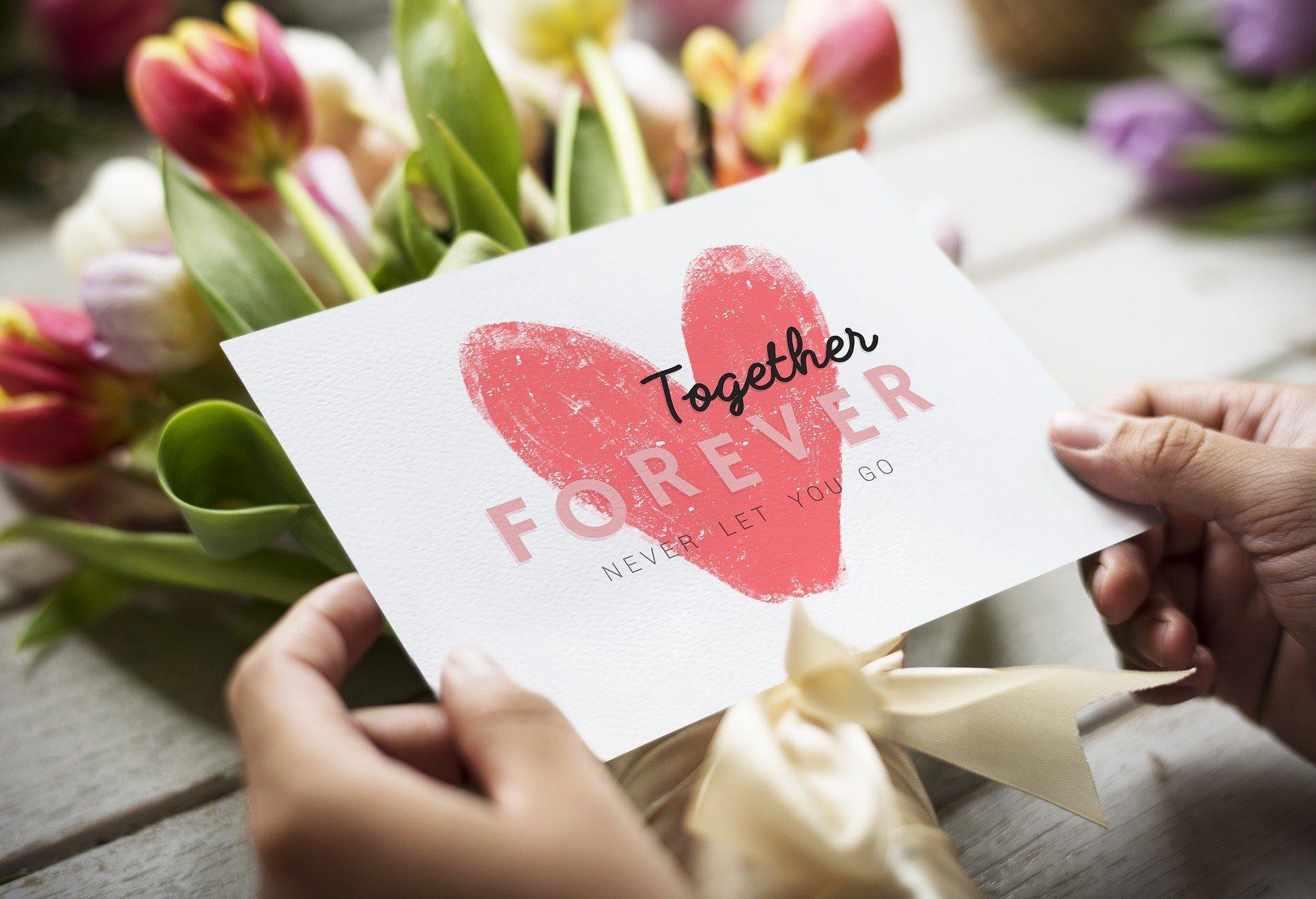 Anniversario Di Matrimonio Regalo Moglie.Le Migliori Idee Regalo Per Un Anniversario Di Matrimonio Per Lei